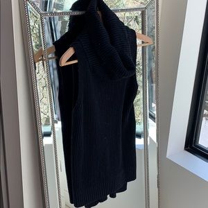 Michael Kors turtleneck Sweater vest size Small